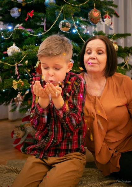 Christmas with Granny. Pic 8